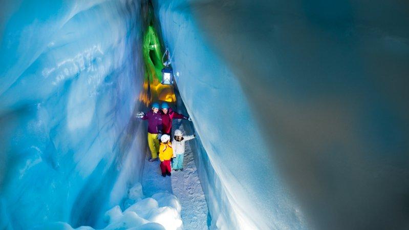 Blaue Kammer im Natur Eis Palast am Hintertuxer Gletscher, © Archiv TVB Tux-Finkenberg